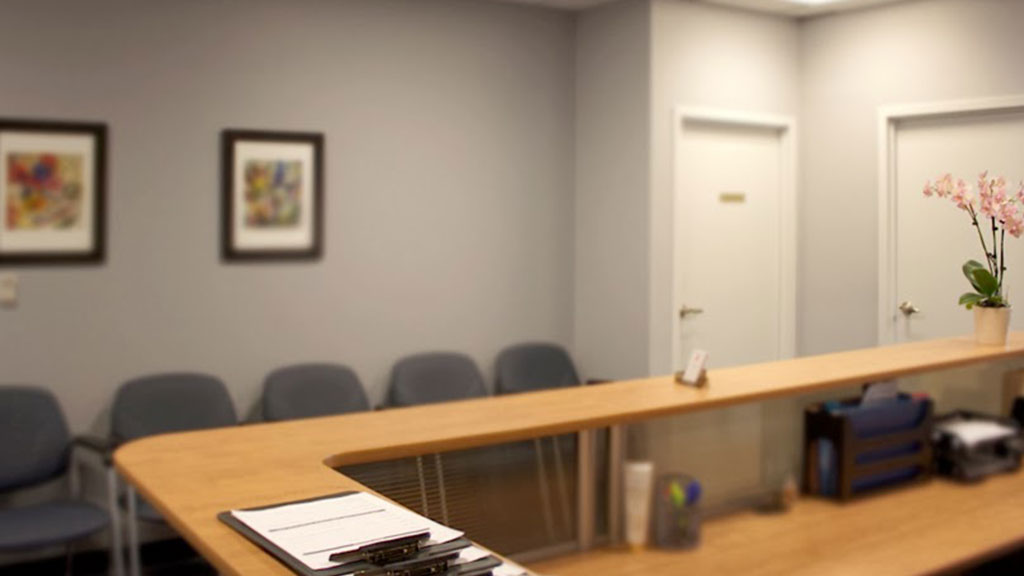 office-brampton-womens-clinic-abortion-ontario-4-reception-room